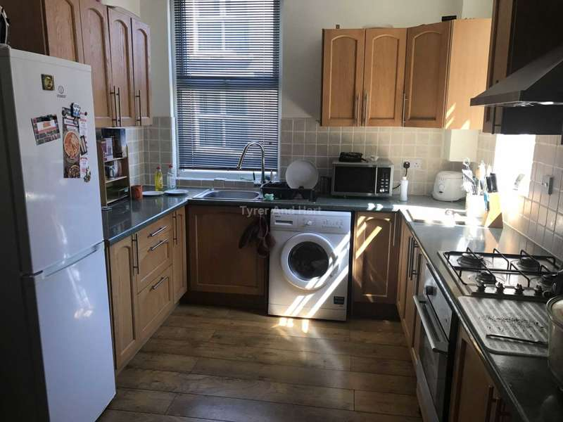 4 Bedrooms House Share for rent in Cotswold Street, Liverpool