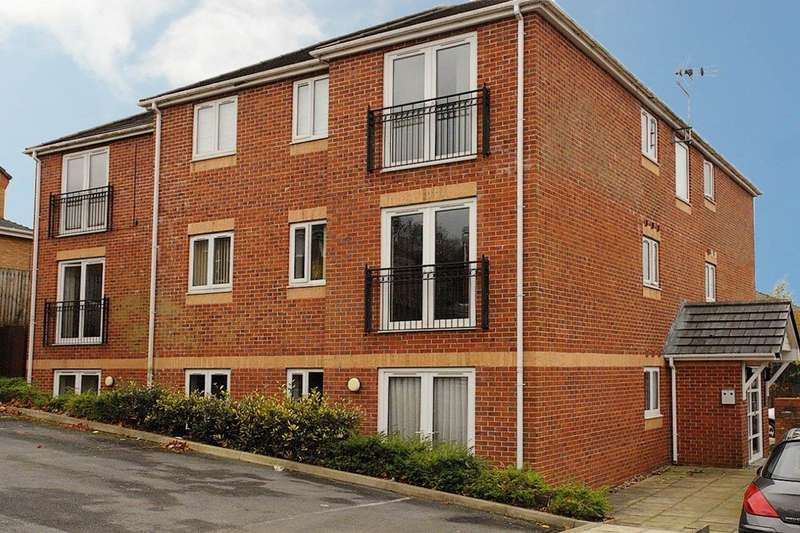 2 Bedrooms Flat for rent in Pennine Rise, Stoneclough Mews, Royton