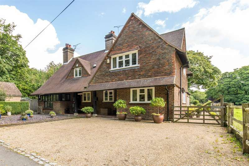 3 Bedrooms Semi Detached House for sale in Kent Hatch Road, Oxted