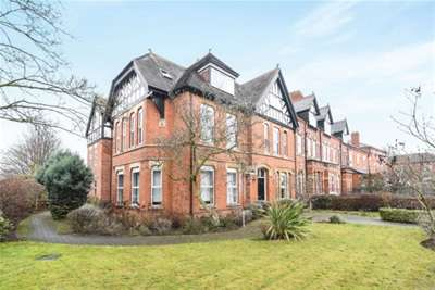 2 Bedrooms Flat for rent in The Rosery, Ombersley Road
