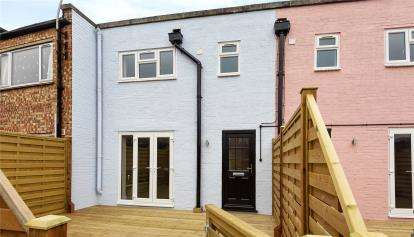 3 Bedrooms Maisonette Flat for sale in High Street, Orpington