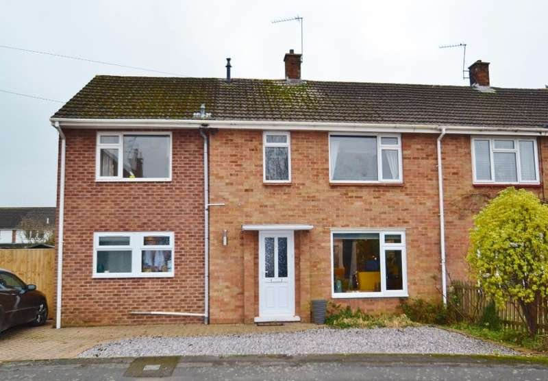 4 Bedrooms Semi Detached House for sale in Ringwood