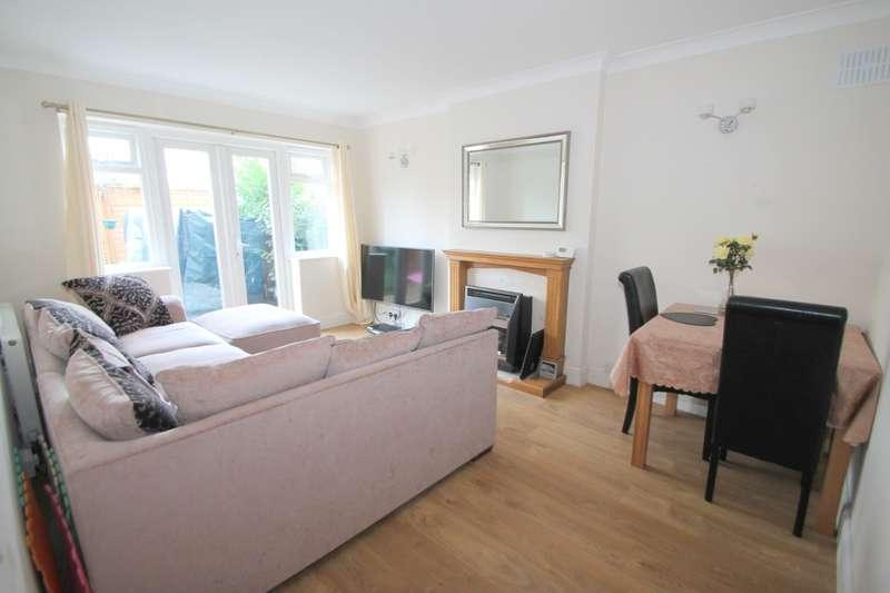 2 Bedrooms Maisonette Flat for sale in Reedsfield Road, Ashford, TW15