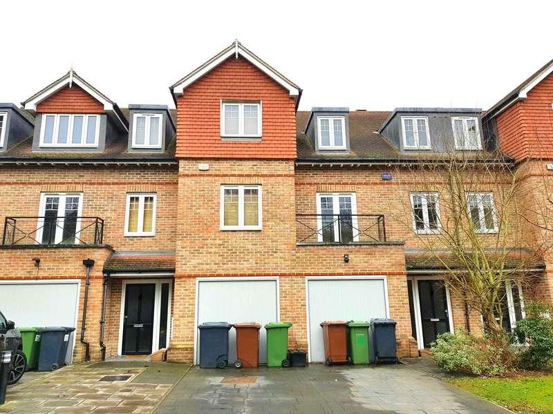 4 Bedrooms Semi Detached House for rent in Highbridge Close, Radlett