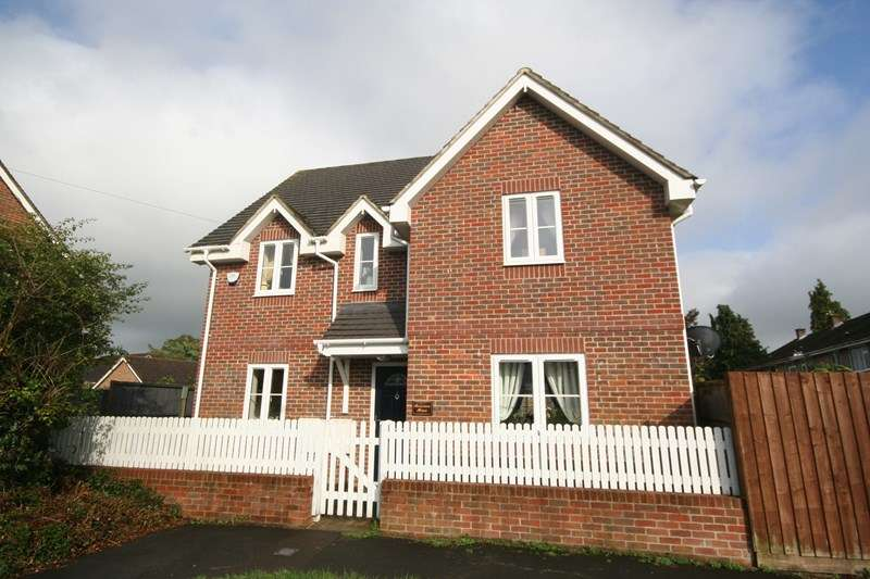 4 Bedrooms Detached House for rent in Lime Kiln Road, Lytchett Matravers, Poole