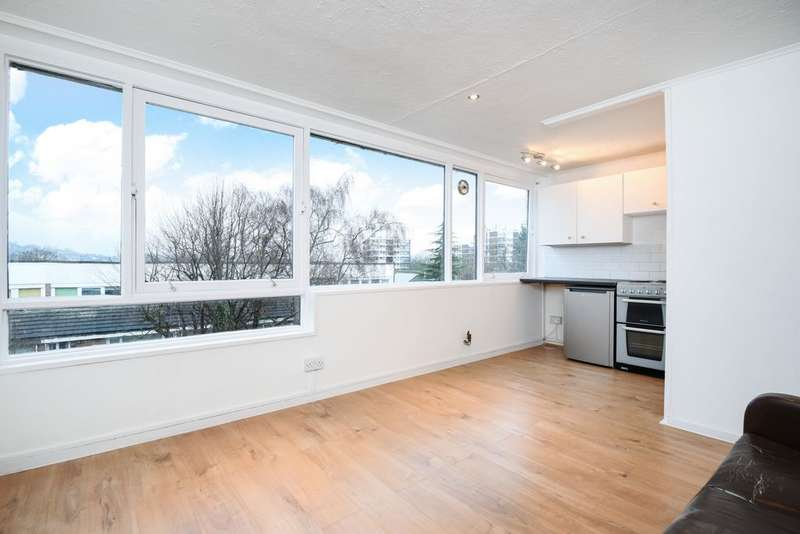 1 Bedroom Flat for sale in Reid House, Bampton Road, Forest Hill, SE23