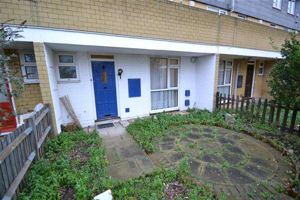 3 Bedrooms Terraced House for rent in Eldridge Close, Feltham