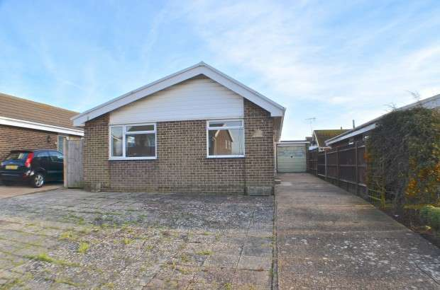2 Bedrooms Bungalow for sale in Gainsborough Crescent, Eastbourne, BN23
