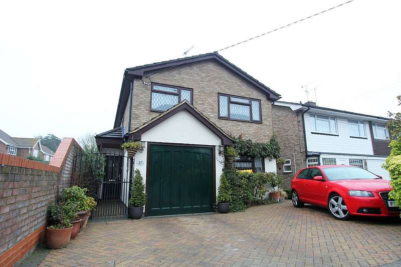 4 Bedrooms Detached House for sale in Hullbridge Road, South Woodham Ferrers, Chelmsford, Essex, CM3 5NG