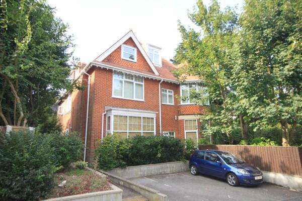3 Bedrooms Flat for sale in Surrey Road, Bournemouth
