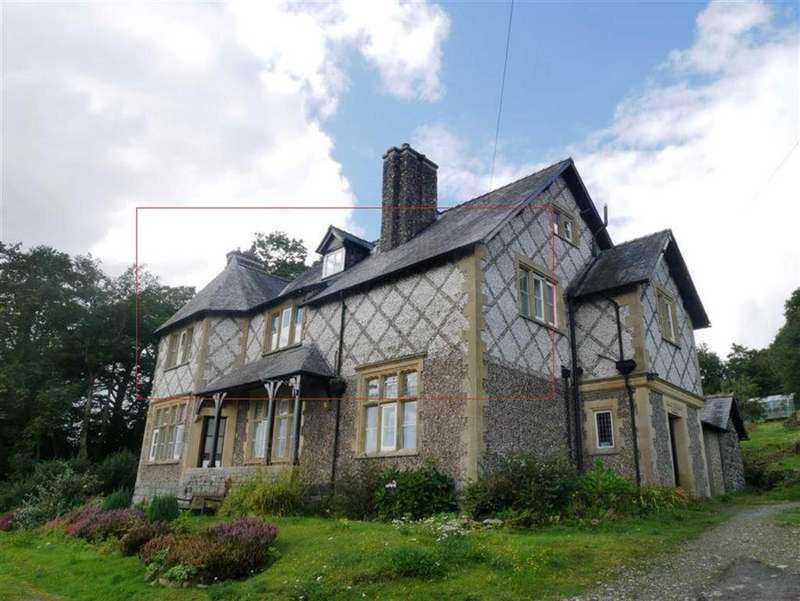 3 Bedrooms Apartment Flat for rent in Bryn Henlan, Criccieth, Gwynedd