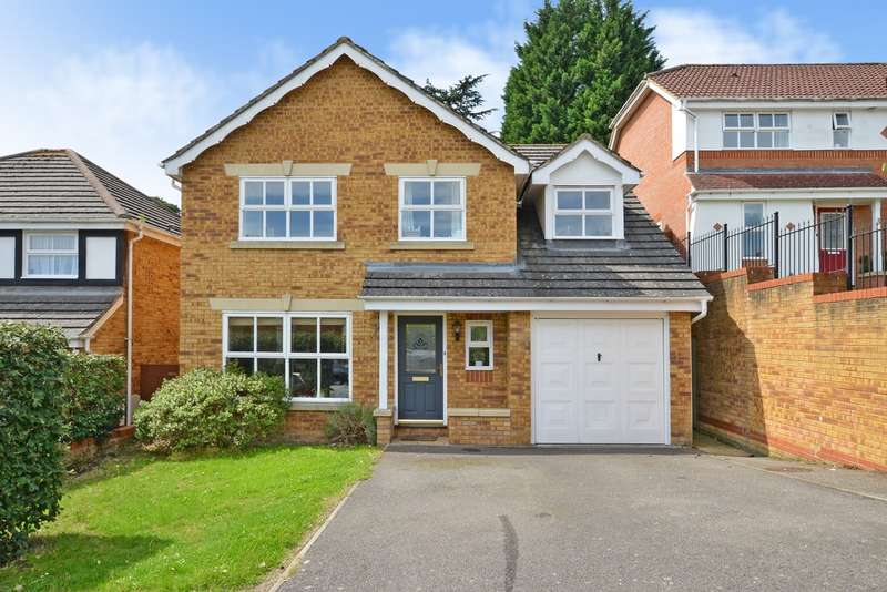 5 Bedrooms Detached House for sale in Furzedown Close, Egham TW20