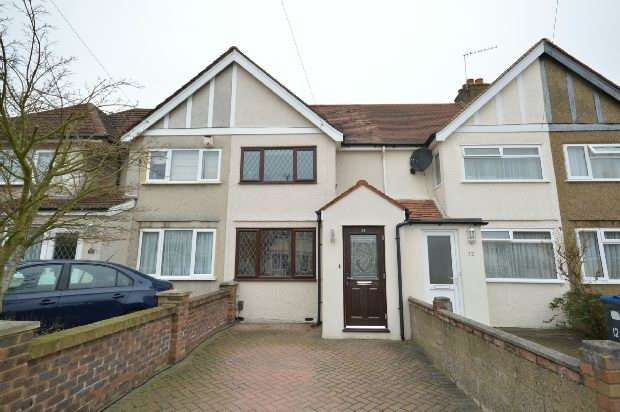 2 Bedrooms Terraced House for rent in Hemsby Road, Chessington
