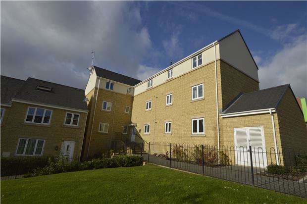 2 Bedrooms Flat for sale in Renard Rise, Stonehouse, Gloucestershire, GL10 2BS