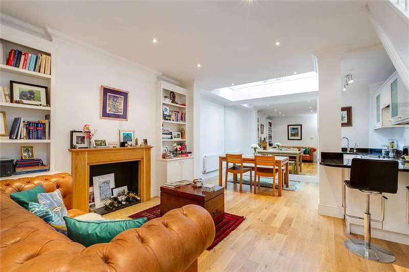2 Bedrooms Flat for sale in Tournay Road, Fulham, London