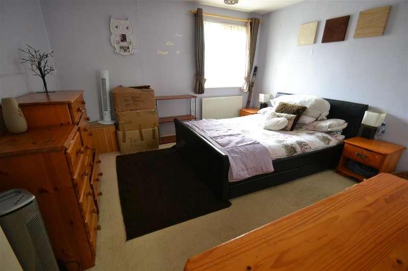 2 Bedrooms Terraced House for sale in Tanyard Way, Horley