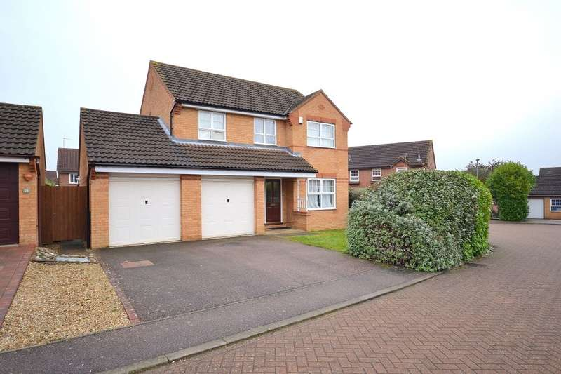 4 Bedrooms Detached House for sale in Wisteria Way, Abington Vale, Northampton, NN3