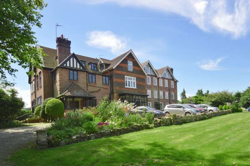 2 Bedrooms Flat for sale in Bletchingley Road, Godstone, RH9