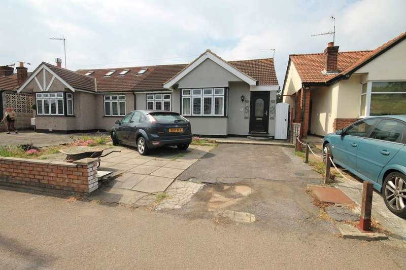 2 Bedrooms Semi Detached Bungalow for sale in Eastern Avenue East, Romford, RM1