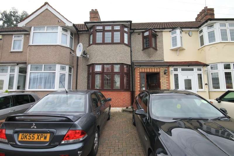 3 Bedrooms Property for rent in Rom Crescent, Romford, RM7