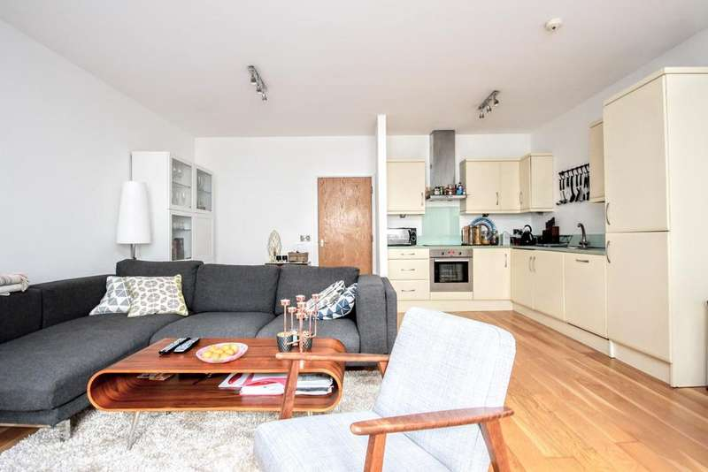 2 Bedrooms Apartment Flat for sale in Queens Road, BRIGHTON, BN1