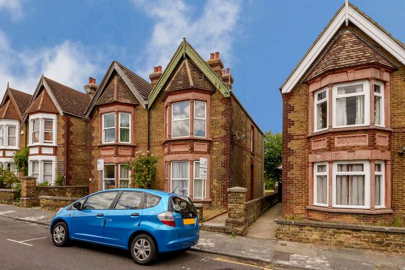2 Bedrooms Apartment Flat for sale in Beverley Road, Canterbury CT2