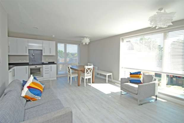 2 Bedrooms Flat for rent in Portland View, City Centre, Bristol