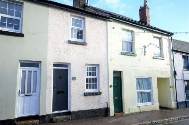2 Bedrooms Terraced House for sale in Fore Street, Bovey Tracey, Newton Abbot, Devon