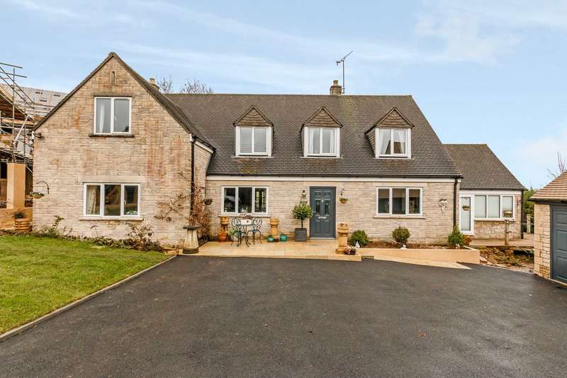 4 Bedrooms Detached House for sale in Middle Hill, Chalford Hill