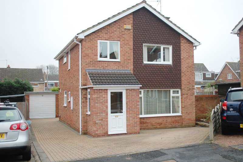 4 Bedrooms Detached House for sale in York Close, Studley, B80