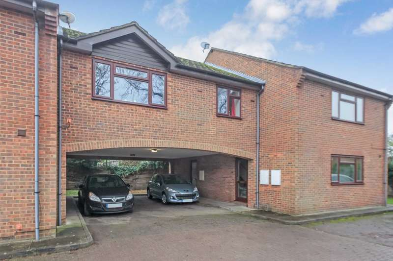 2 Bedrooms Flat for sale in Parsley Close, Aston Clinton