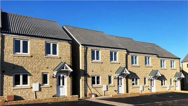 3 Bedrooms Property for sale in Warminster Road, FROME, Somerset, BA11 5LA