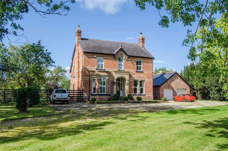 5 Bedrooms Detached House for sale in Sontley, Wrexham, Sontley