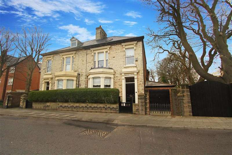 5 Bedrooms Semi Detached House for sale in Fenwick Terrace, North Shields, Tyne And Wear