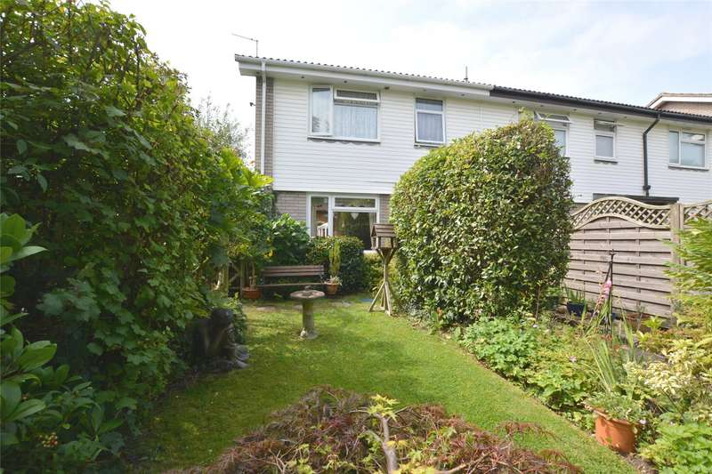 3 Bedrooms House for sale in Solent Close, Lymington, Hampshire, SO41