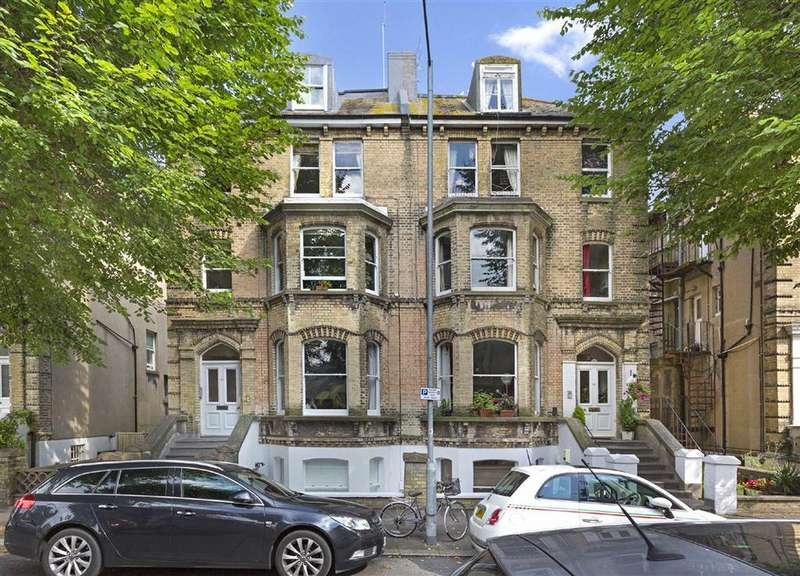 3 Bedrooms Flat for sale in Norton Road, Hove