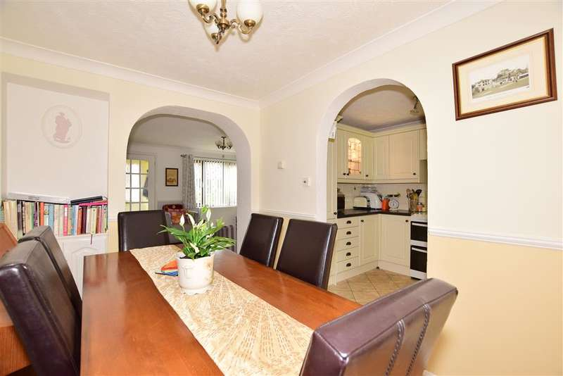 3 Bedrooms Link Detached House for sale in Dover Close, , Southwater, Nr Horsham, West Sussex