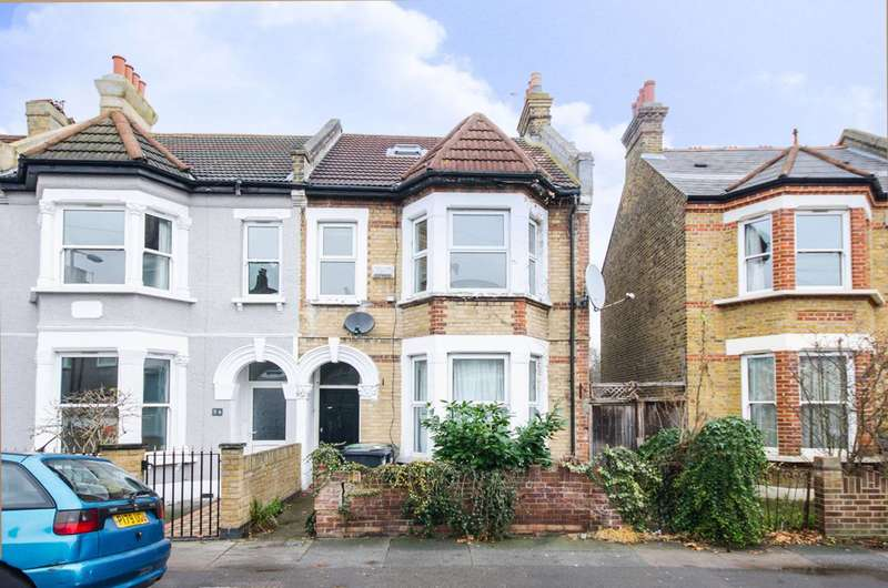 5 Bedrooms House for sale in Albacore Crescent, Lewisham, SE13