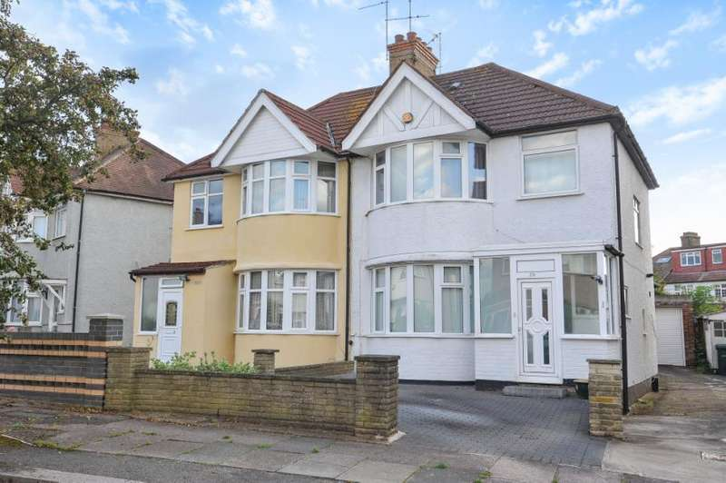 3 Bedrooms Semi Detached House for sale in Rudyard Grove, Mill Hill