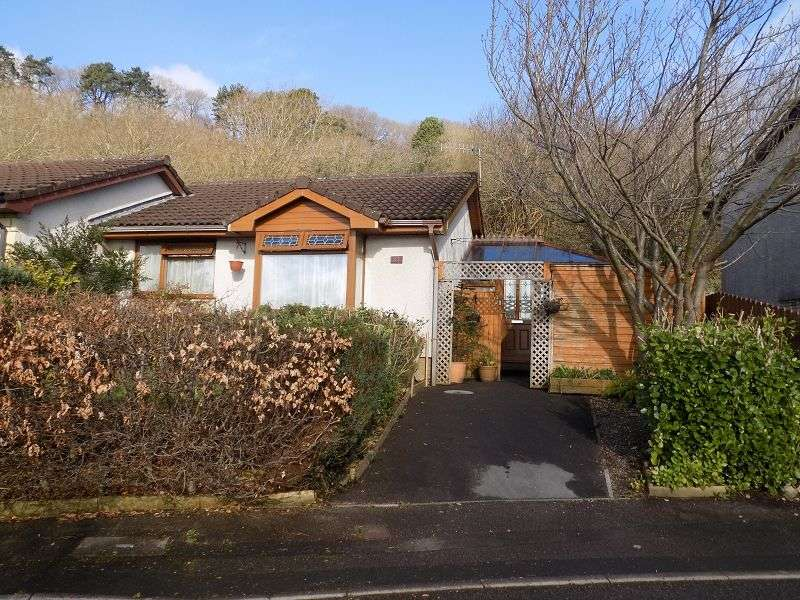 2 Bedrooms Bungalow for sale in Oak Hill Park, Skewen, Neath, Neath Port Talbot. SA10