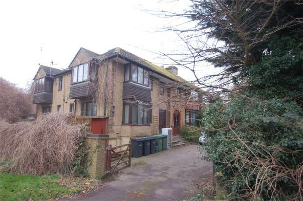 2 Bedrooms Flat for sale in Folly Lane, St Albans, Hertfordshire