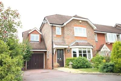 4 Bedrooms House for rent in Royal Huts, Hindhead, GU26