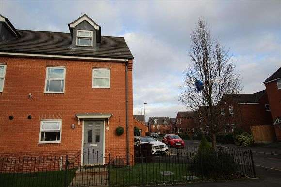 3 Bedrooms Semi Detached House for rent in 10 Layton Way, Prescot