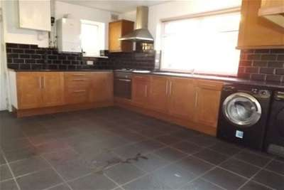 3 Bedrooms House for rent in Alfred Road, Askern