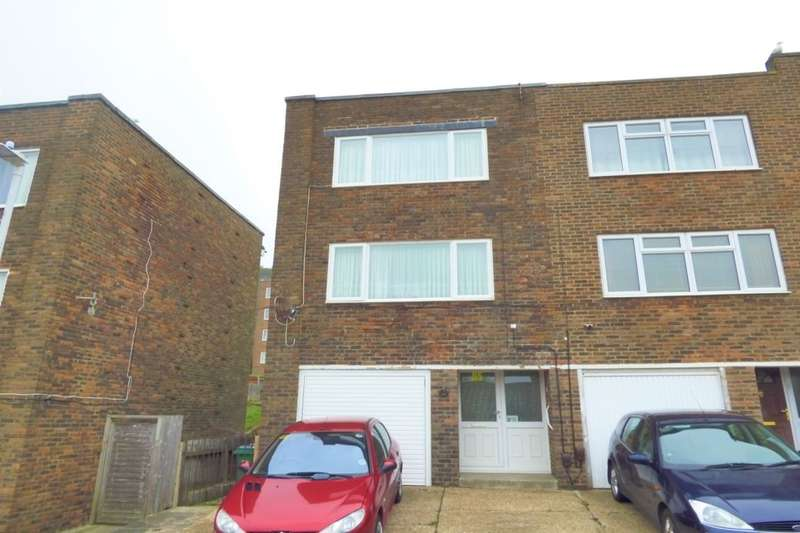 2 Bedrooms Semi Detached House for sale in Hollands Avenue, Folkestone, CT19