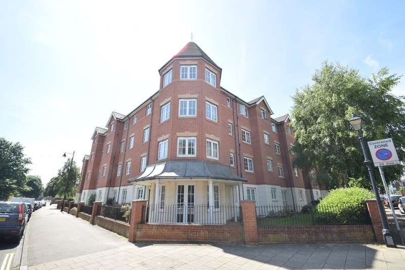 2 Bedrooms Flat for sale in Queens Crescent, Southsea, PO5