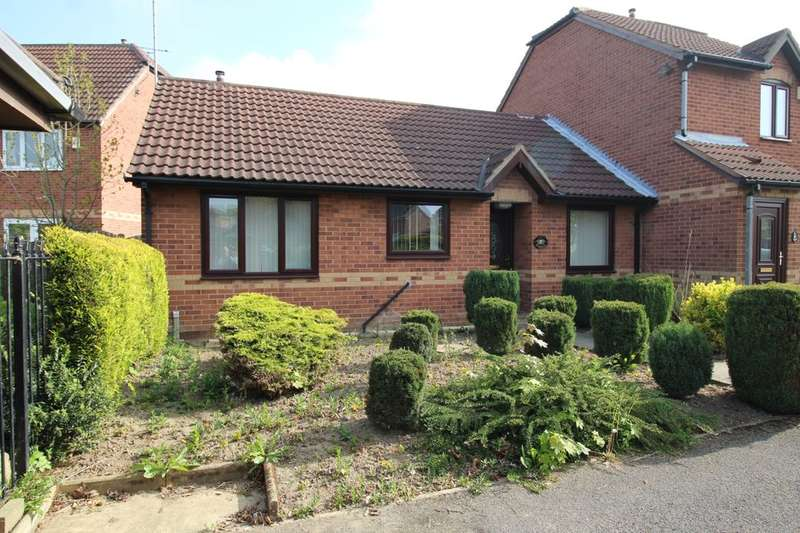 2 Bedrooms Semi Detached Bungalow for sale in Wicket Way, Edlington, Doncaster, DN12