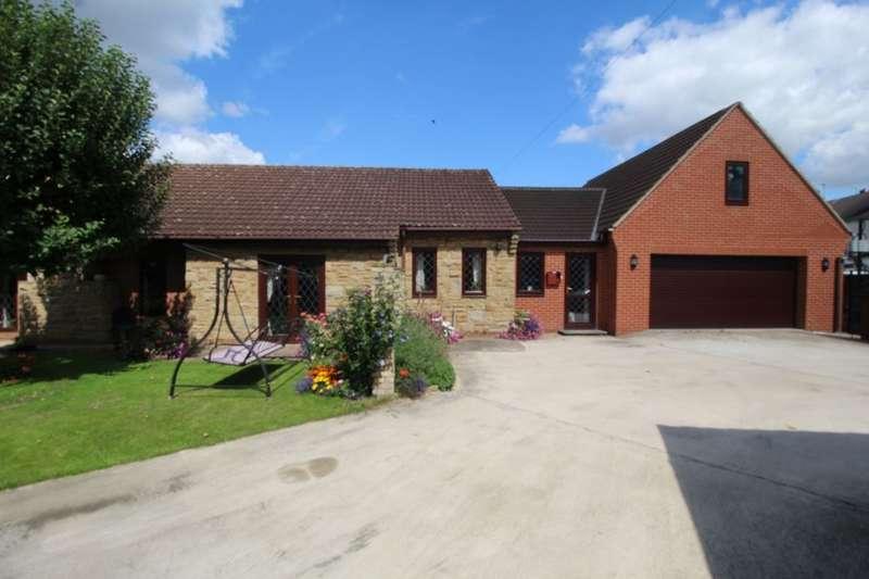 3 Bedrooms Detached Bungalow for sale in Almholme Lane, Arksey, Doncaster, DN5