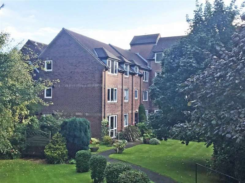 1 Bedroom Flat for sale in Park View Court, Bournemouth, Dorset