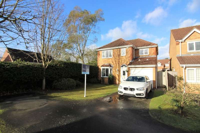 4 Bedrooms Detached House for sale in Pencraig Close, Kenilworth, CV8